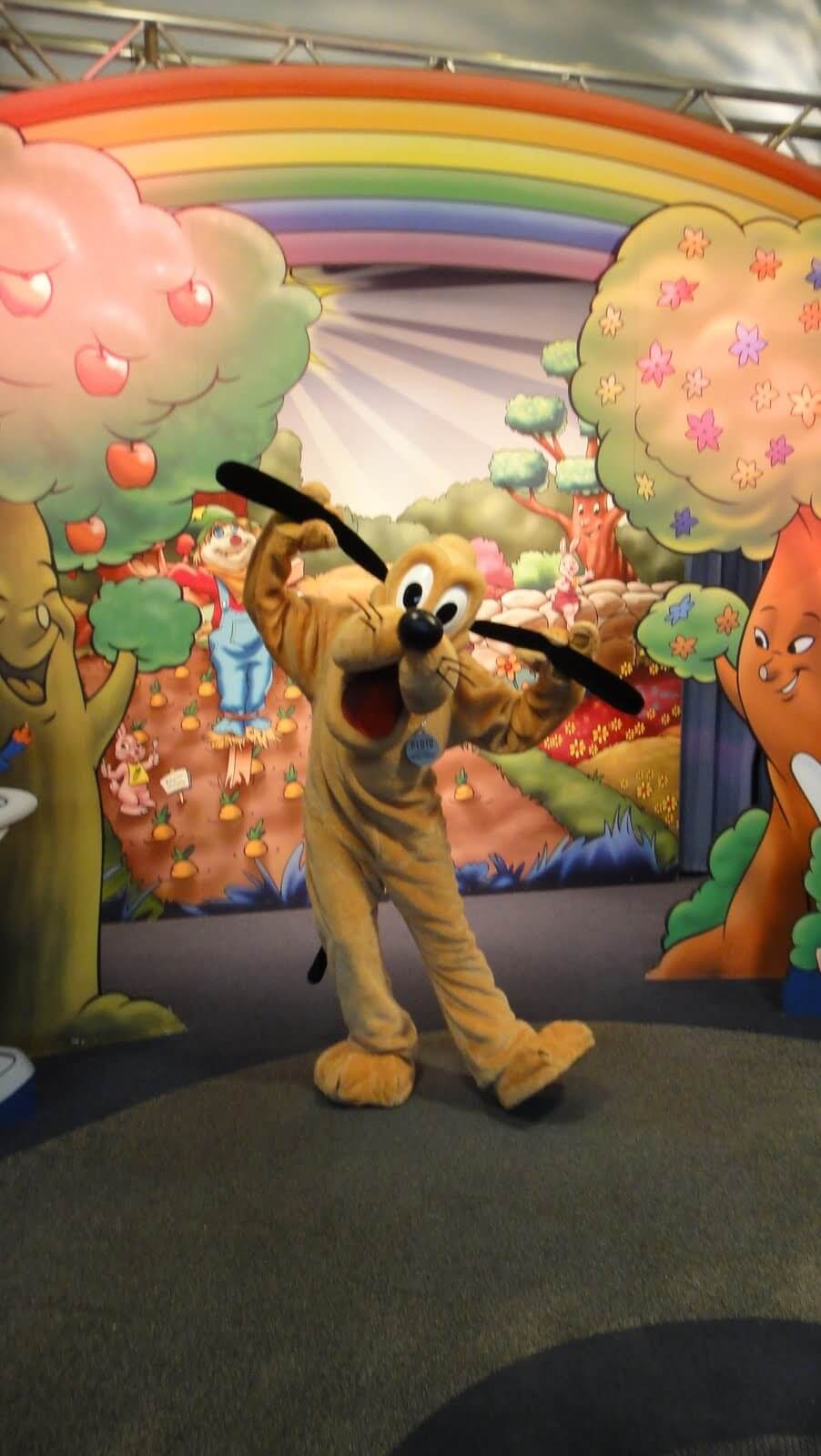 So you want to meet mickey huh tips for meeting mickey mouse epcot m4hsunfo