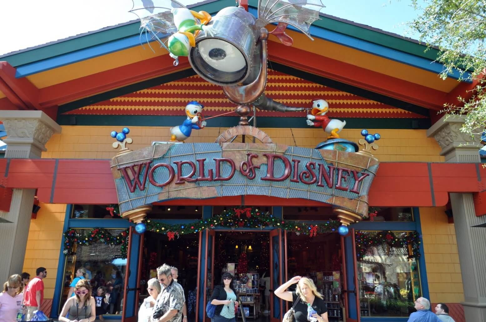 5 Best Places To Shop In & Around The Theme Parks