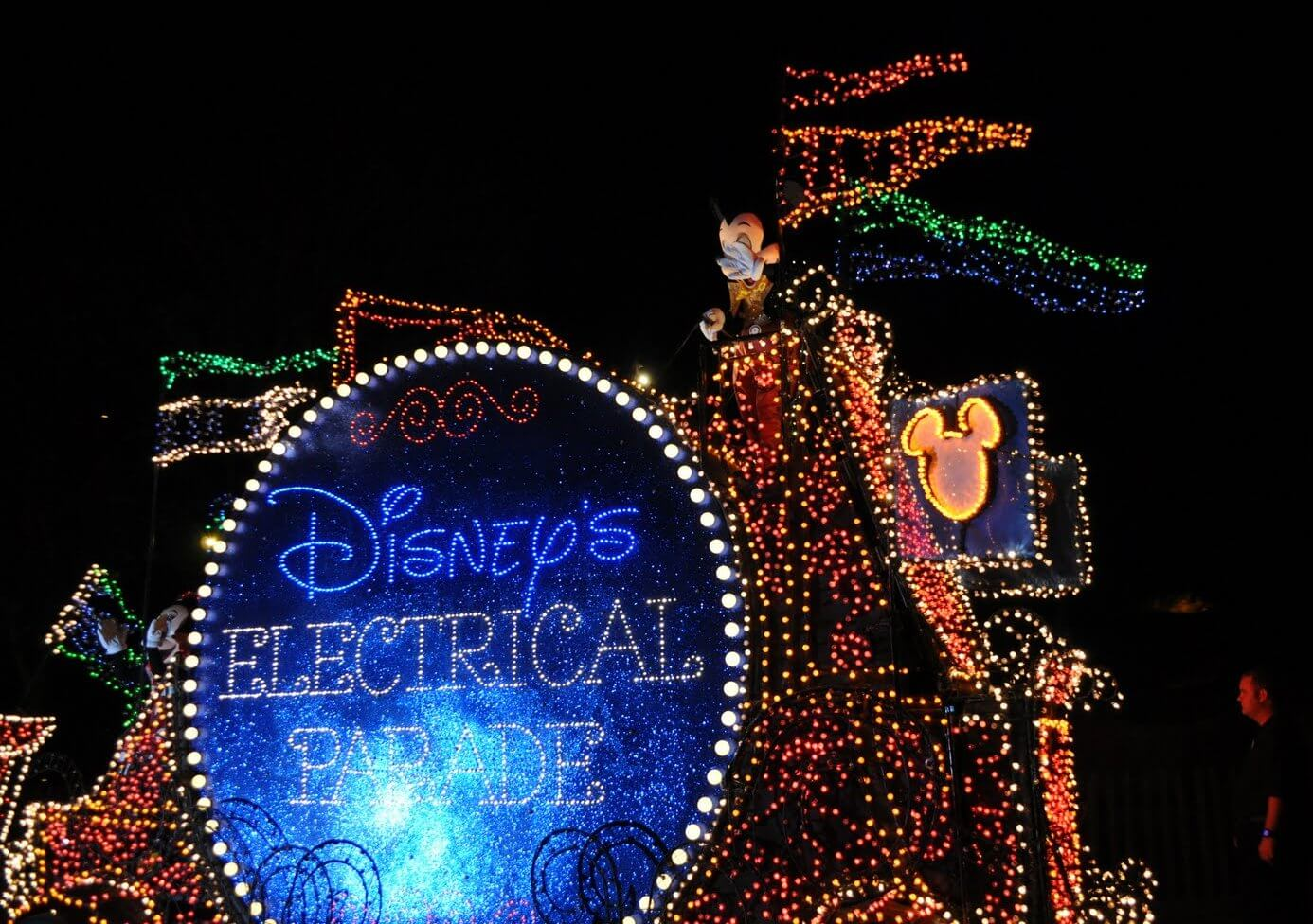 Walt Disney World Parade Guide: Main Street Electrical Parade at Magic Kingdom