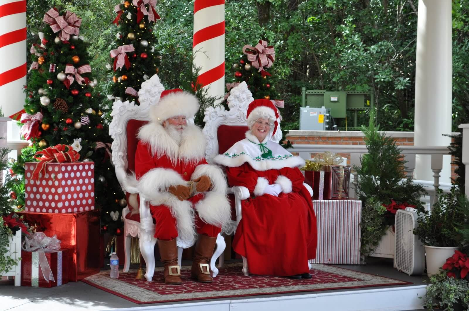 Where To Find Santa At Disney World Universal Seaworld More