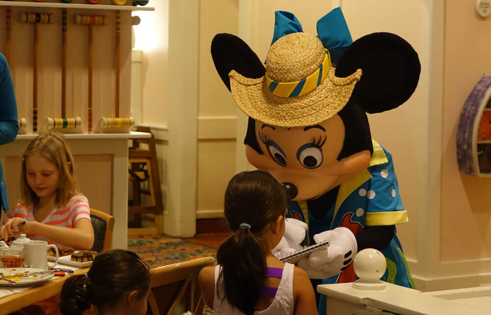 Our Guide to Disney World Hotel Character Dining