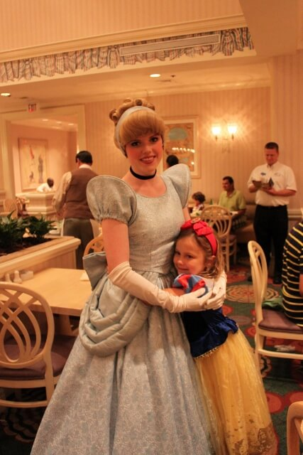 Review: Character Dining With the Evil Sisters at 1900 Park Fare at The Grand Floridian