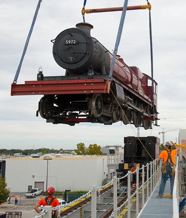Theme Park News: Universal Begins Testing Hogwarts Express