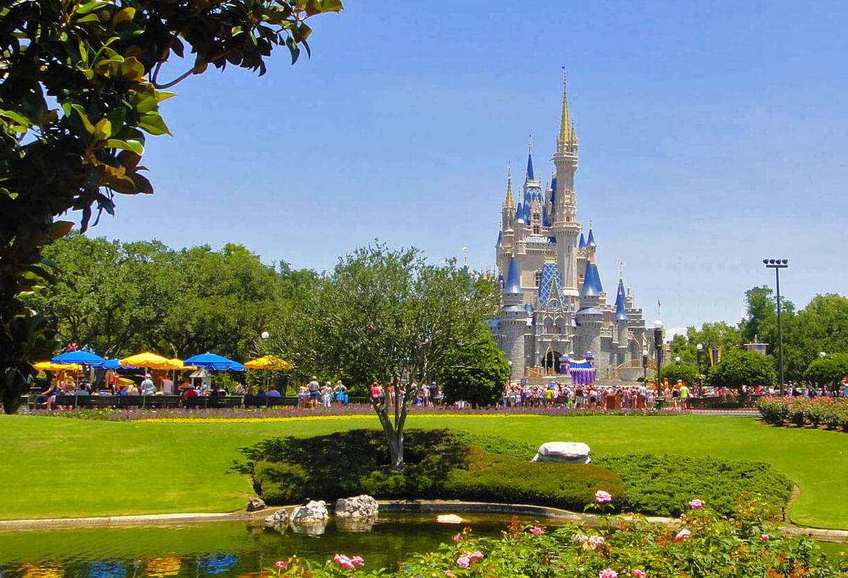 Save Time at Theme Parks - Cinderella Castle
