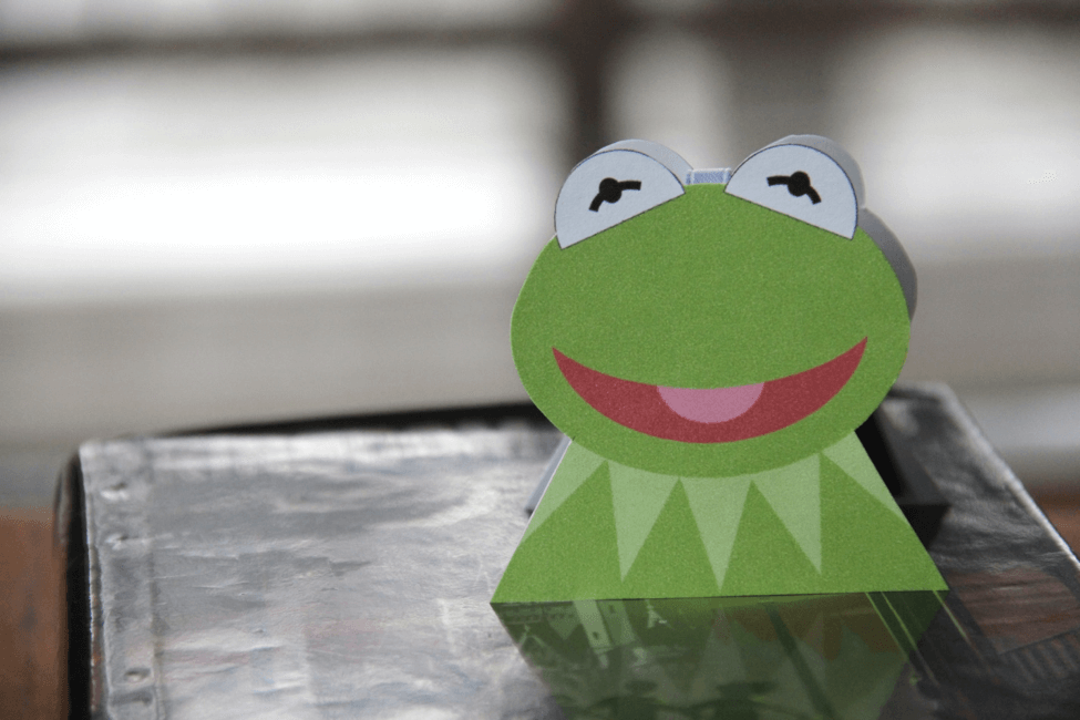 Disney Craft: Cute As Can Be Kermit the Frog Magnetic Bookmark