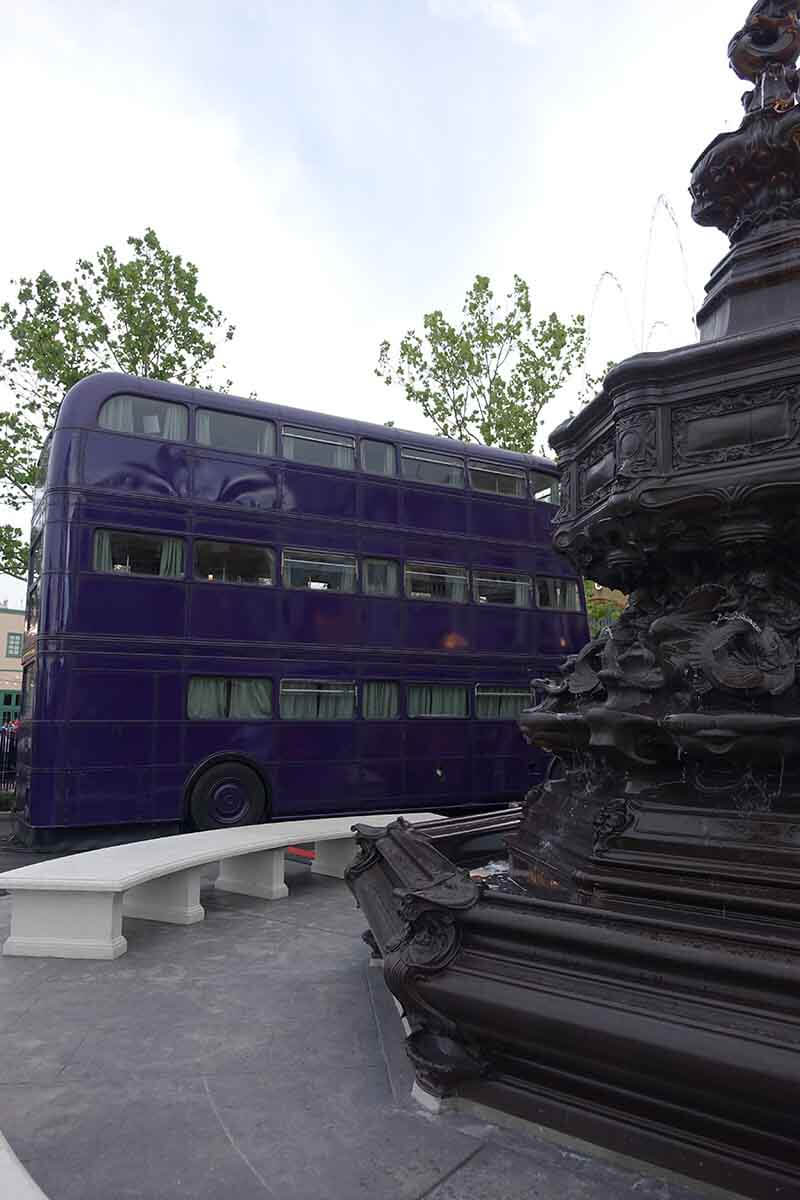 What's Inside the Wizarding World of Harry Potter™ - Diagon Alley™ - The Knight Bus