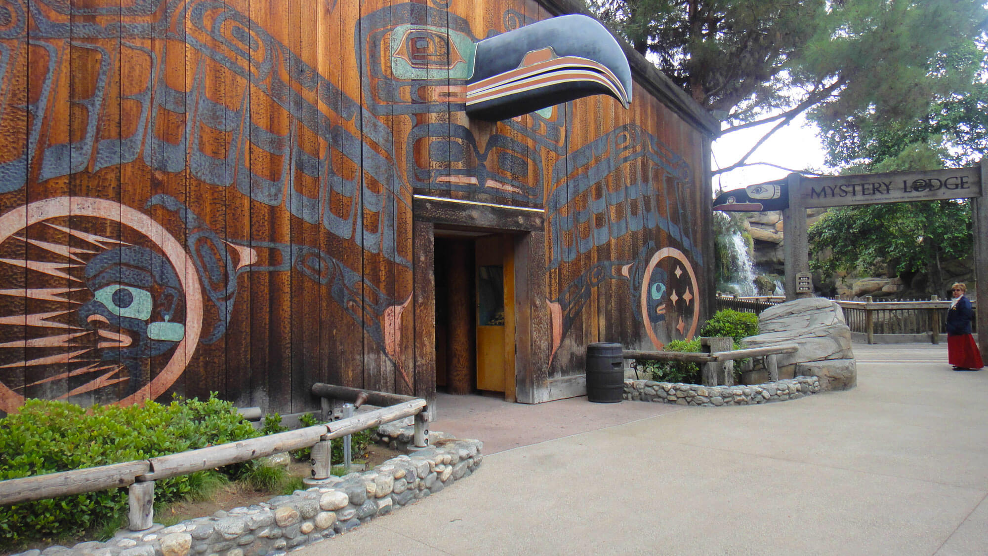 Not to miss Knott's Berry Farm  - Mystery Lodge