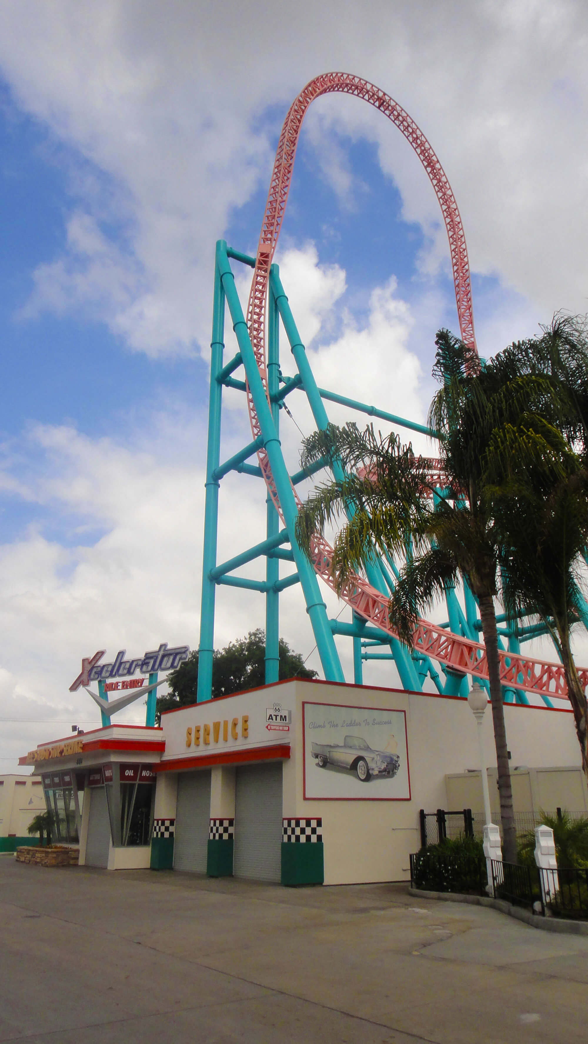 9 Not-to-Miss Knott\'s Berry Farm Attractions & Experiences