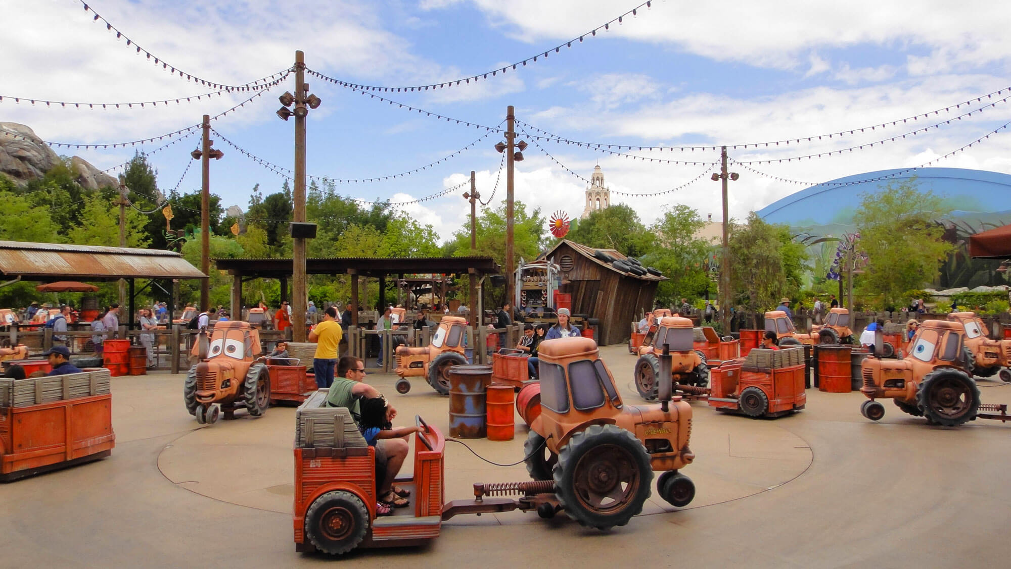 not to miss Disney California Adventure Rides and Attractions - Mater's Junkyard Jamboree