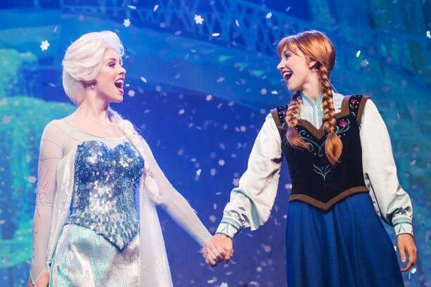 Disney's Hollywood Studios Shows - Elsa and Anna singalong
