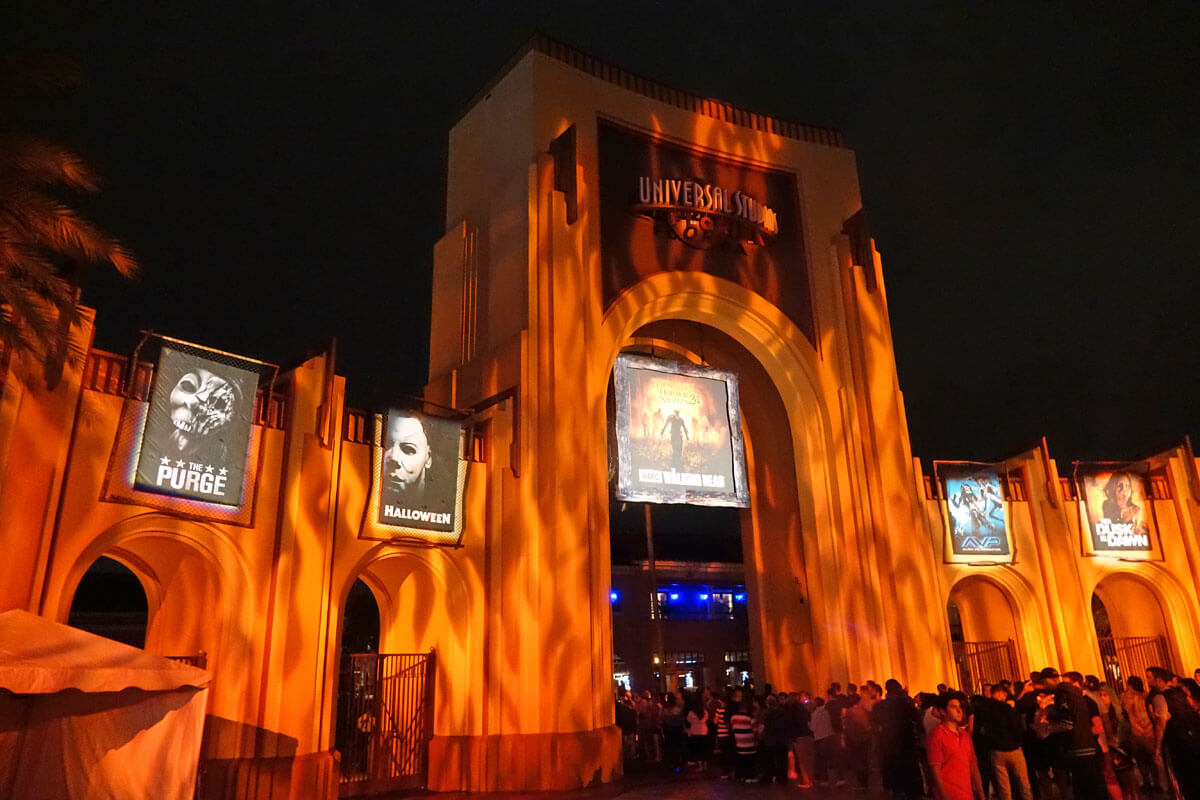 Halloween Horror Nights Highlights - Undercover Tourist