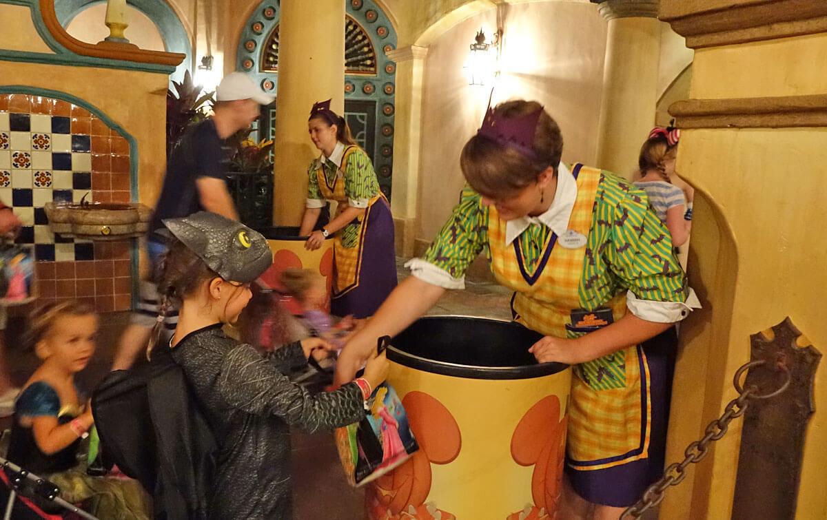 Mickey's Not So Scary Halloween Party Scenes