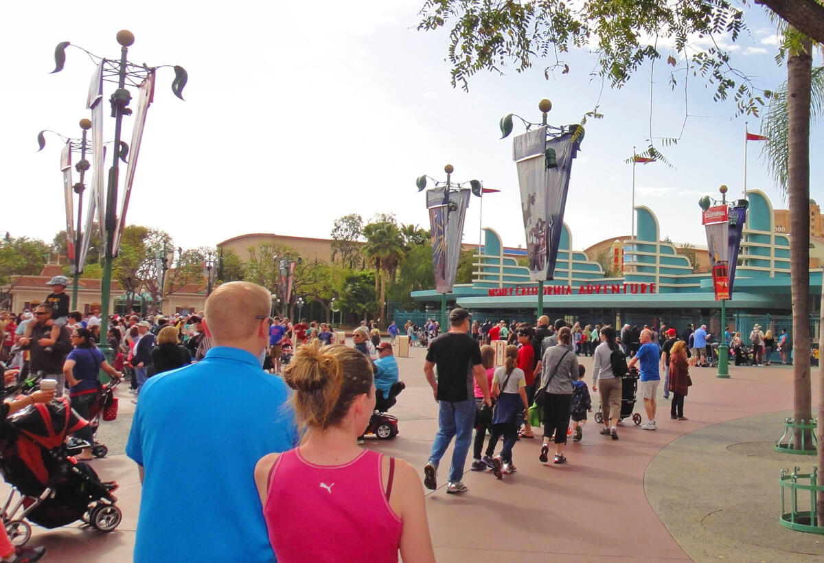 Tips for Disneyland in summer - DCA - entrance