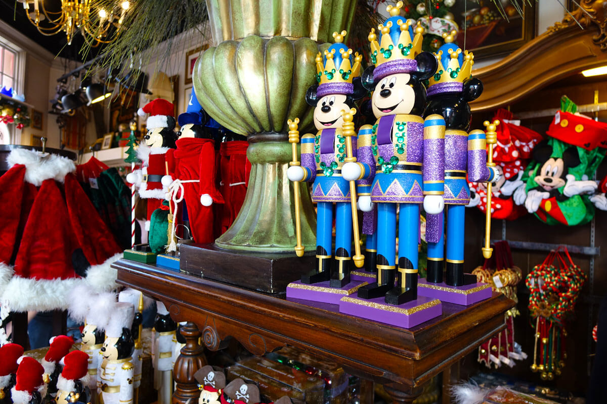 Tips for Crowded Theme Parks during the Holidays - Nutcracker