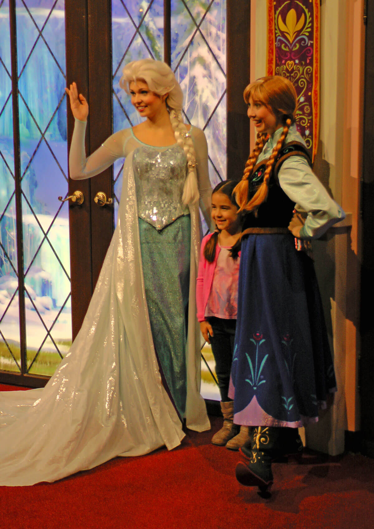 Meet anna and elsa at disneyland undercover tourist meet anna and elsa at disneyland m4hsunfo