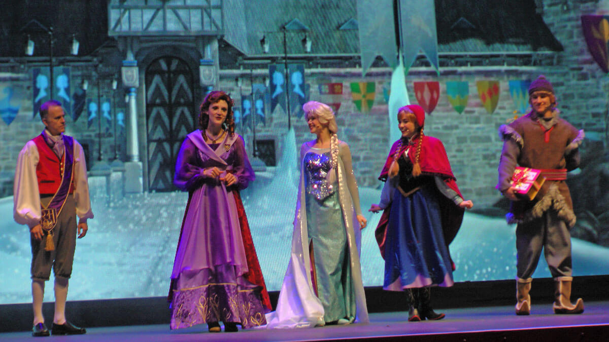 Meet anna and elsa at disneyland undercover tourist meet anna and elsa at disneyland frozen sing along m4hsunfo