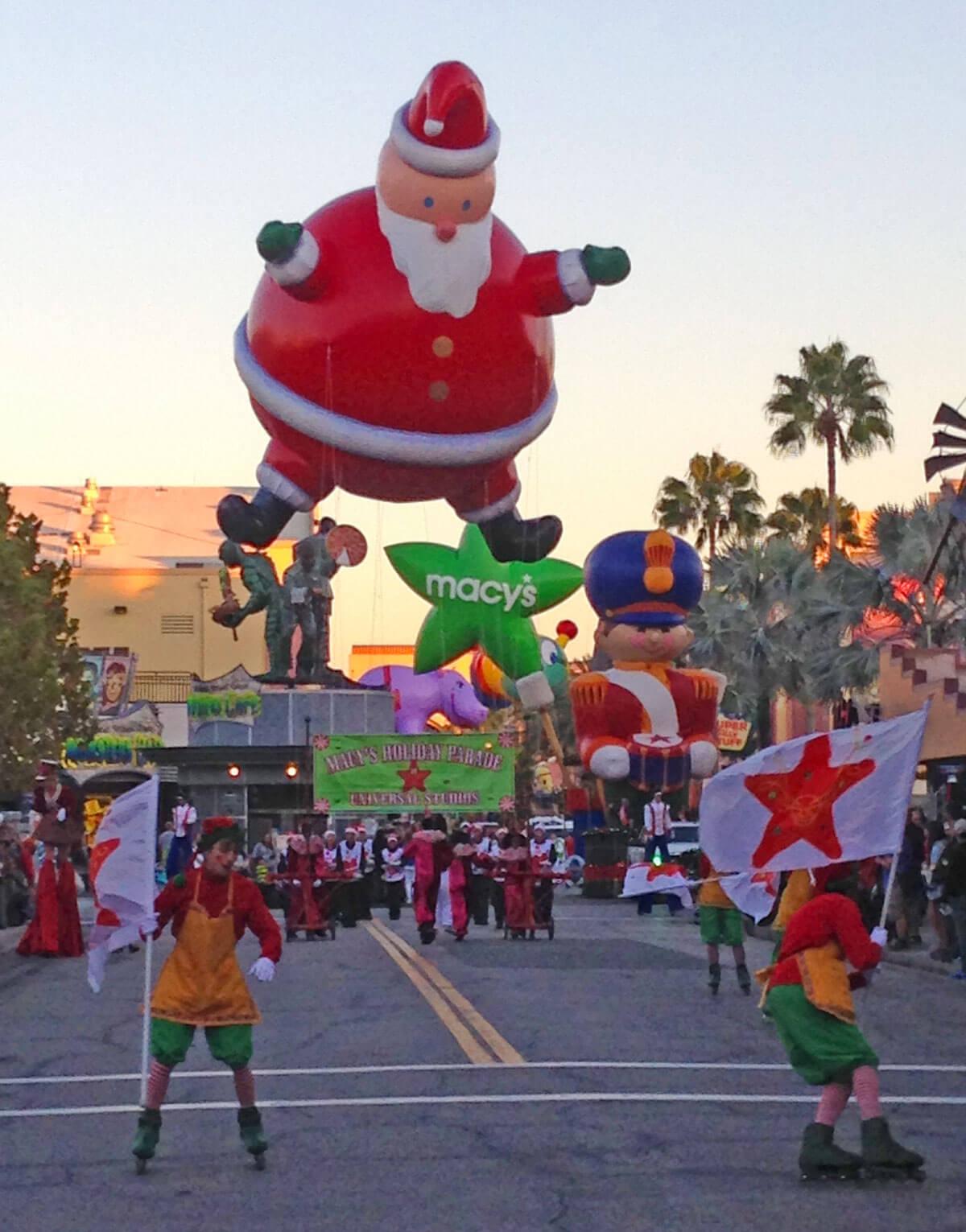 Universal Orlando Holiday - Macy's Parade