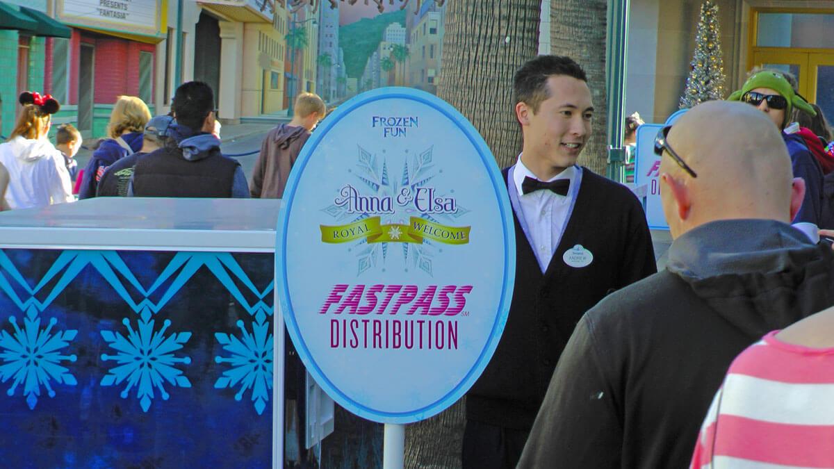Tips for Disneyland in summer - FASTPASS