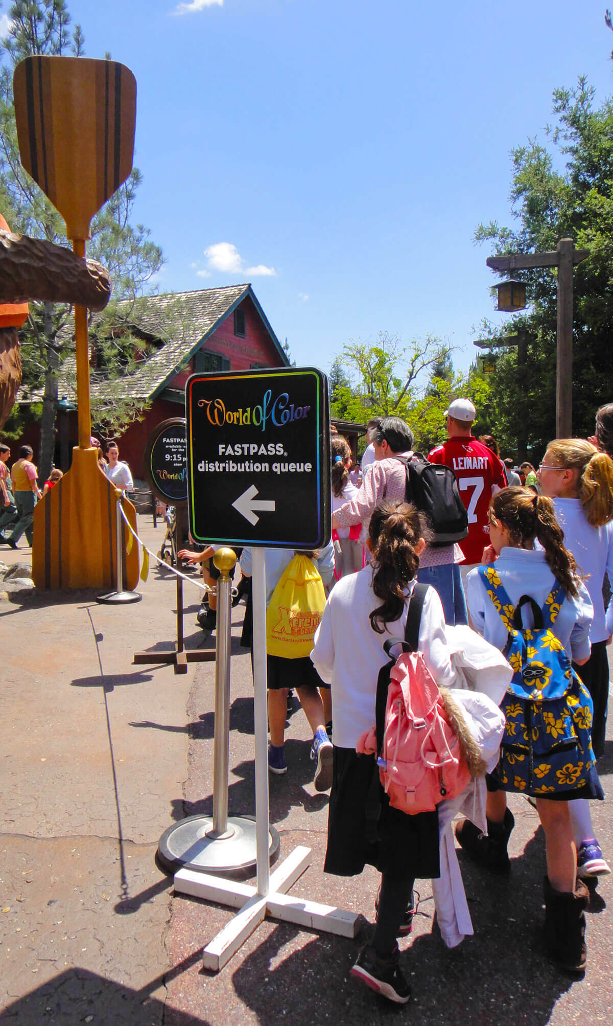 Tips for Disneyland in summer - World of Color FASTPASS queue