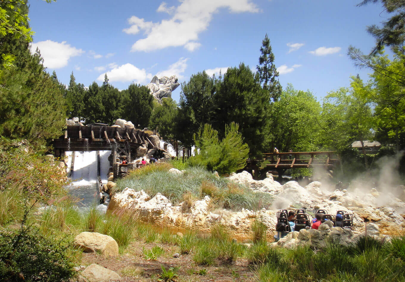 Disneyland's Top Thrill Rides - Grizzly River Run