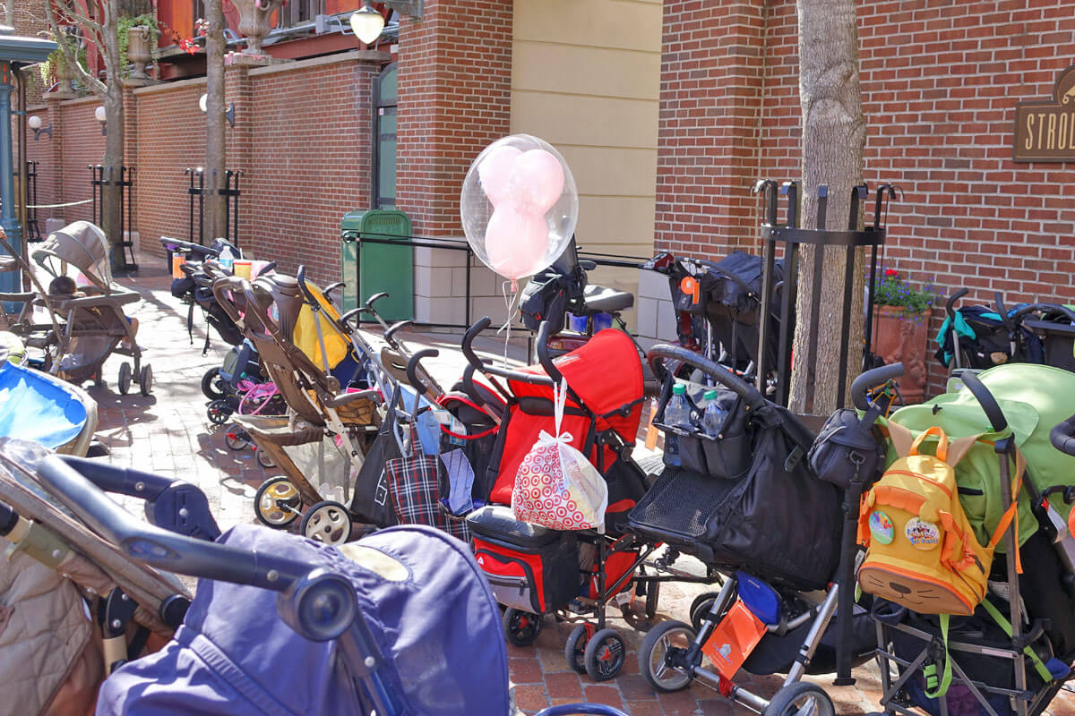 Using a Stroller in Disney World - Stroller parking at Disney's Hollywood Studios