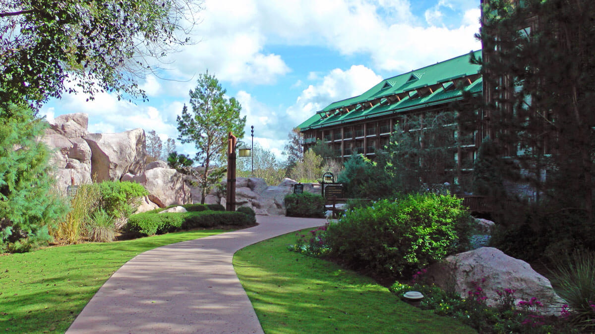 Split Stay in Orlando - Disney's Wilderness Lodge Resort