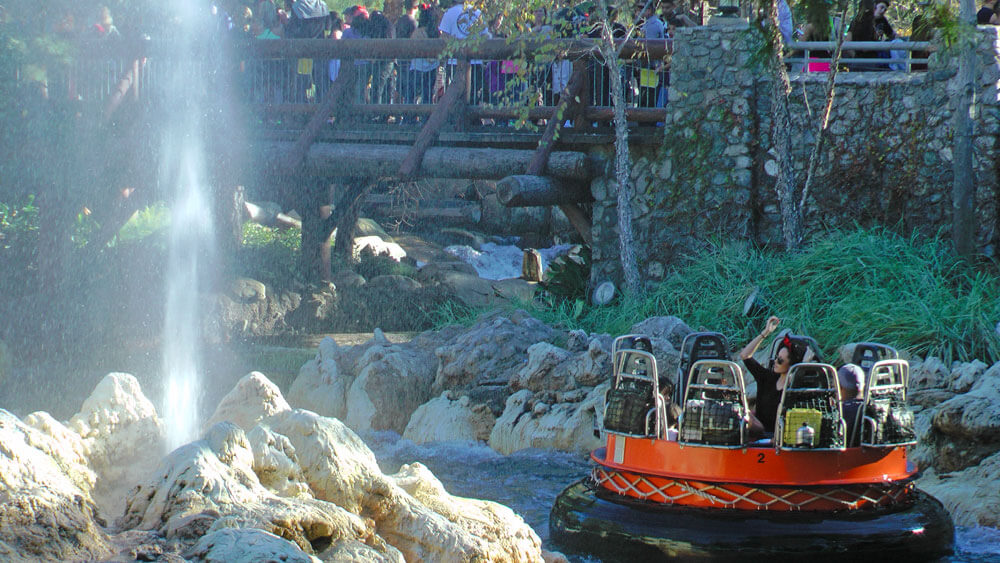 Tips for Disneyland in summer - Grizzly River Run