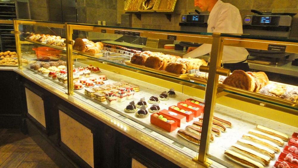 Les Halles Boulangerie & Patisserie pastries