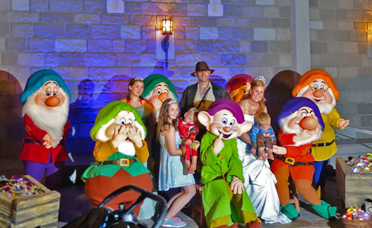 Mickey's Not So Scary Halloween Party 2018 - Disney Halloween Party - Seven Dwarfs
