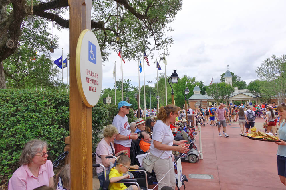 Disney disability card overview - Wheel chair parade viewing