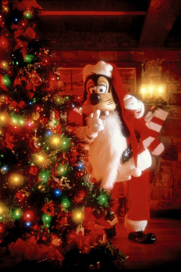 Disney World Add Holiday Character Dining, New MagicBands