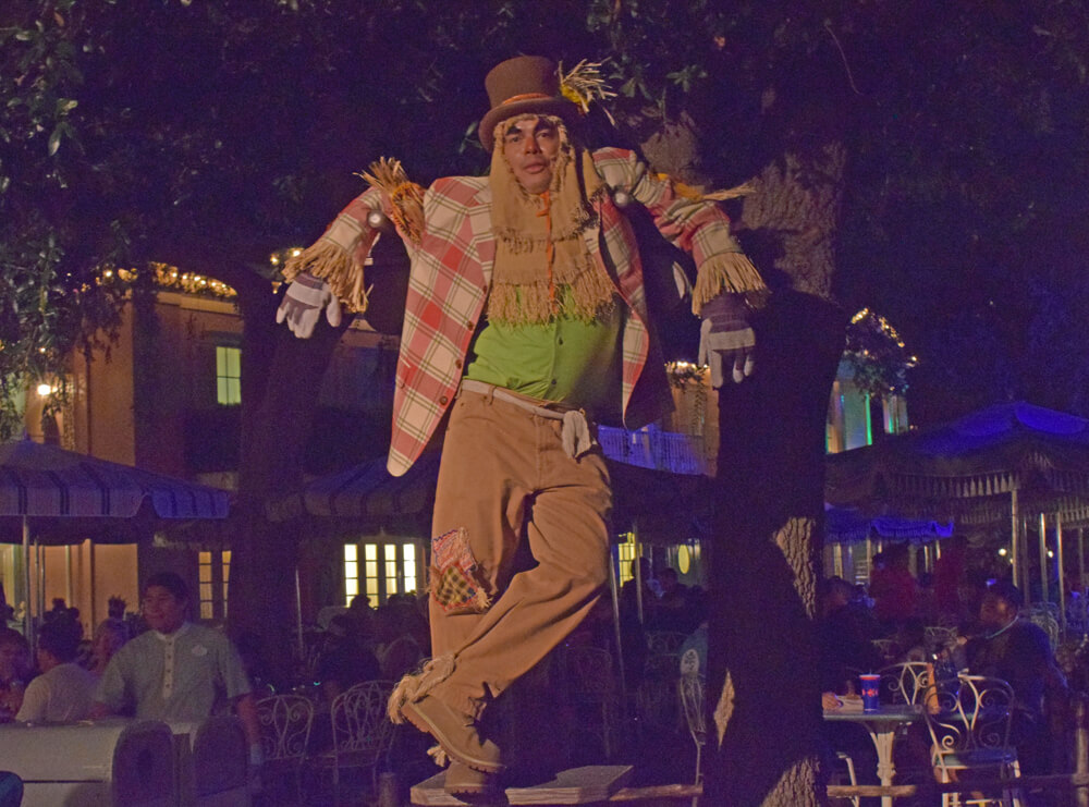 Mickey's Halloween Party at Disneyland - Scarecrow