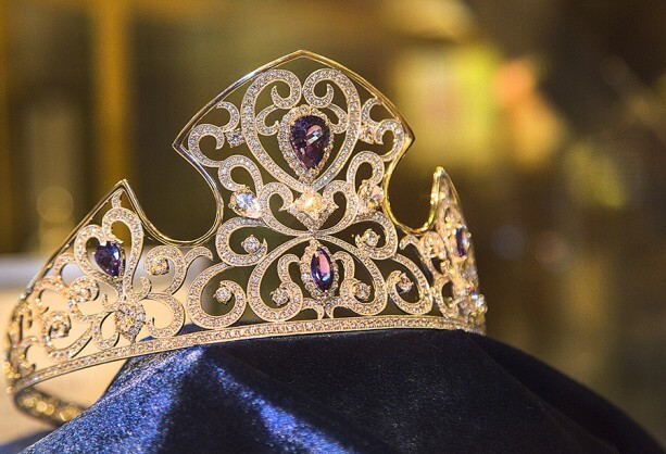 Disneyland Resort Diamond Days Crown