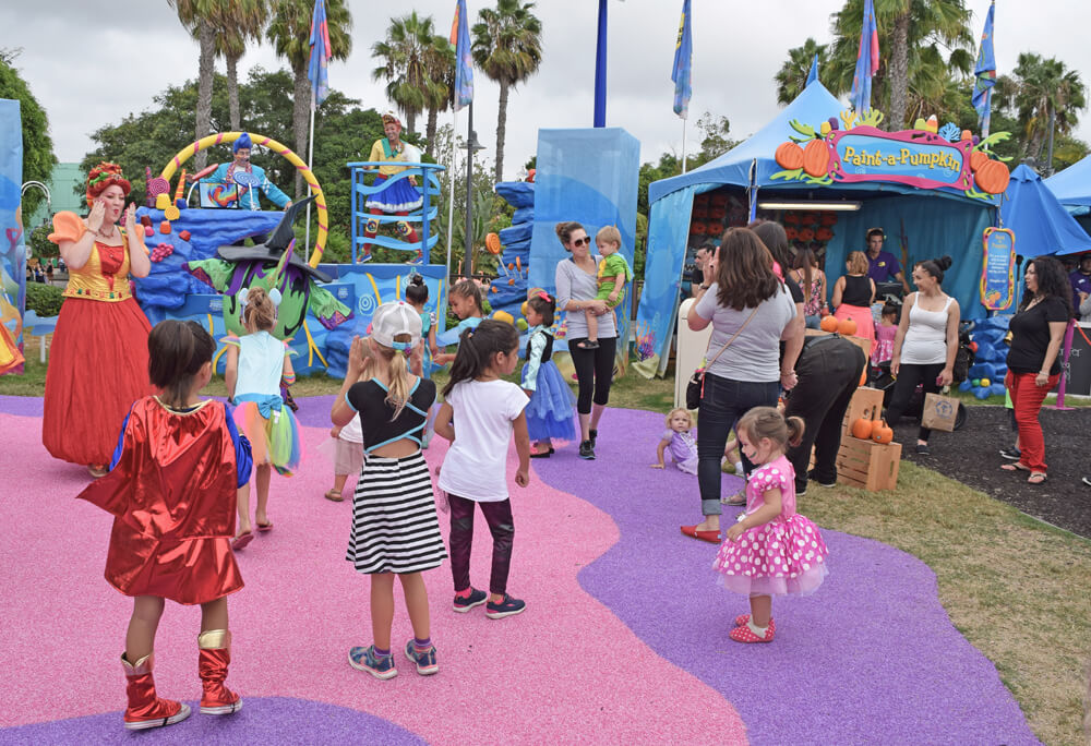 Halloween Spooktacular at SeaWorld San Diego - Dance party