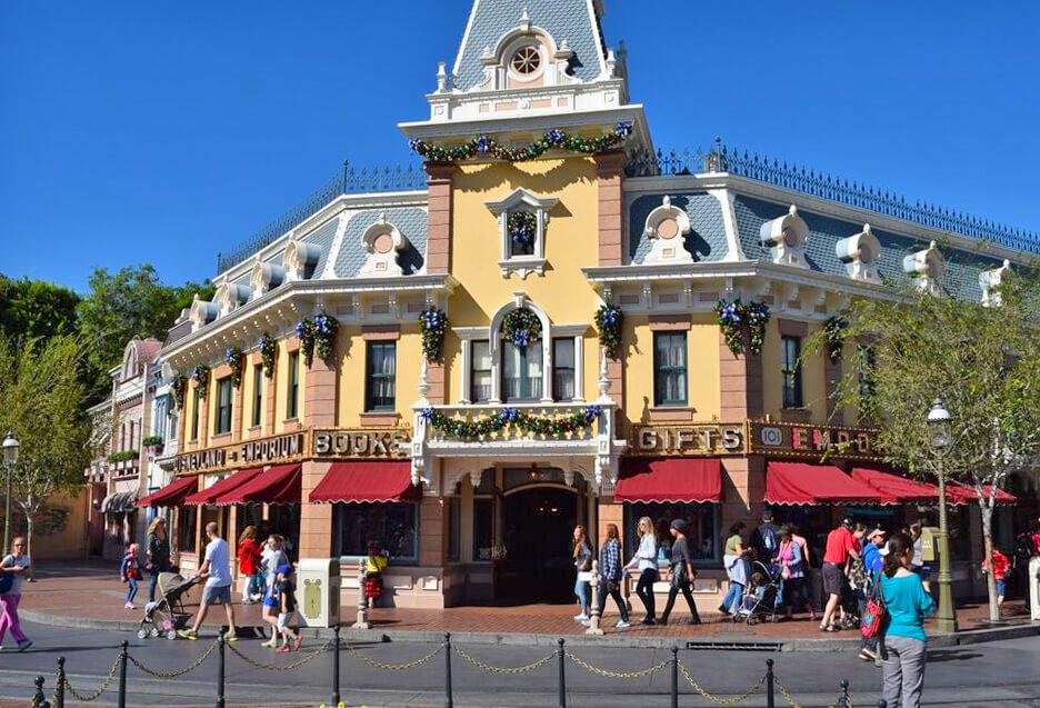 Holidays at Disneyland 2016 - Main Street USA