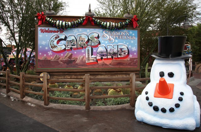 Disneyland Christmas 2019 - Cars Land