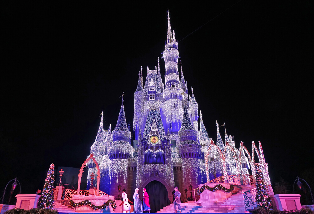disney world holiday crowds a frozen holiday wish - Disneyworld Christmas