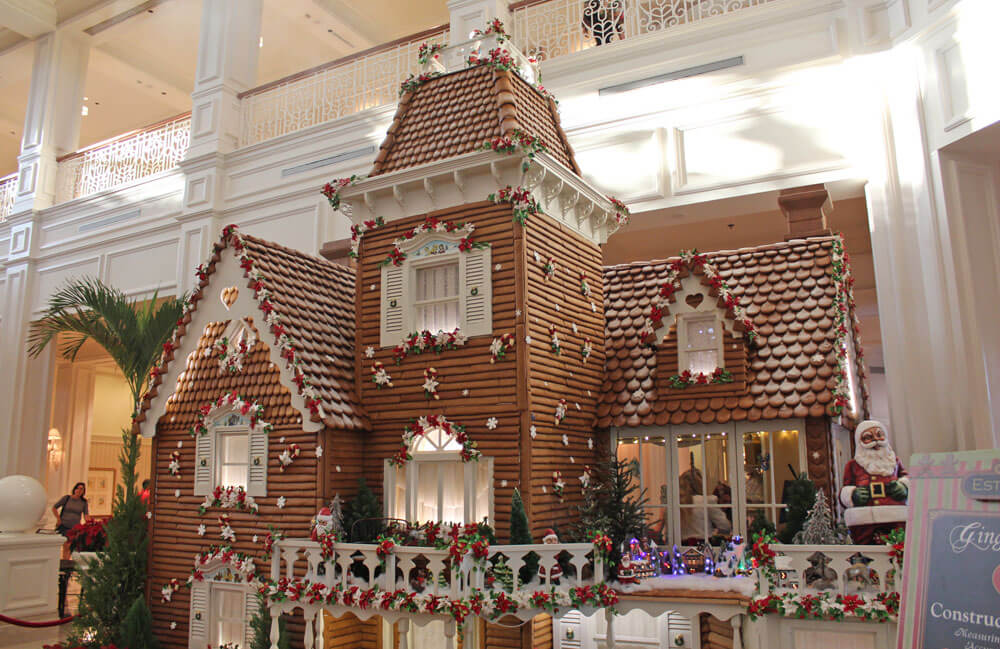 Disney World Holiday Crowds - Grand Floridian Gingerbread House