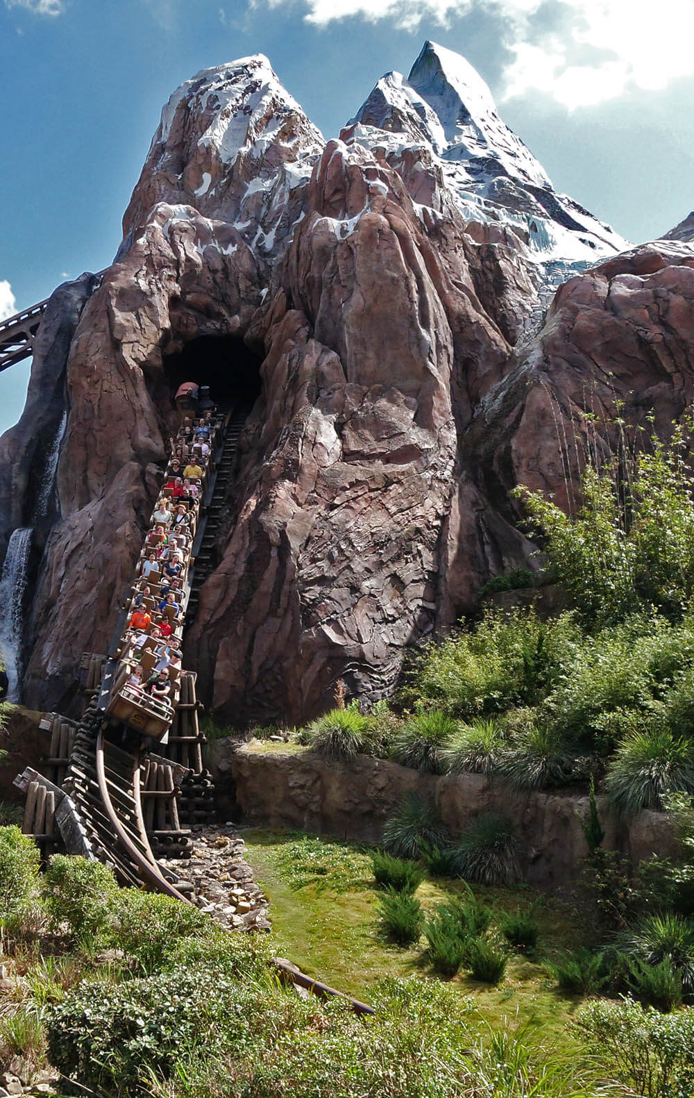 The Secret History of Disney Rides: Expedition Everest - Expedition Everest