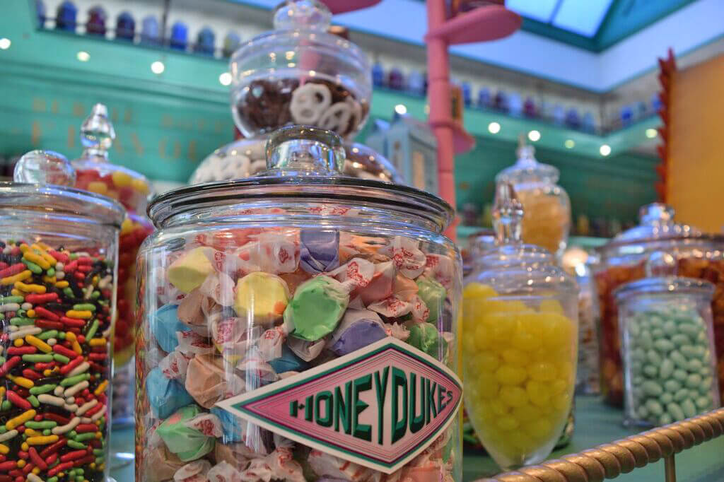 Wizarding World of Harry Potter at Universal Studios Hollywood Preview - Honeydukes