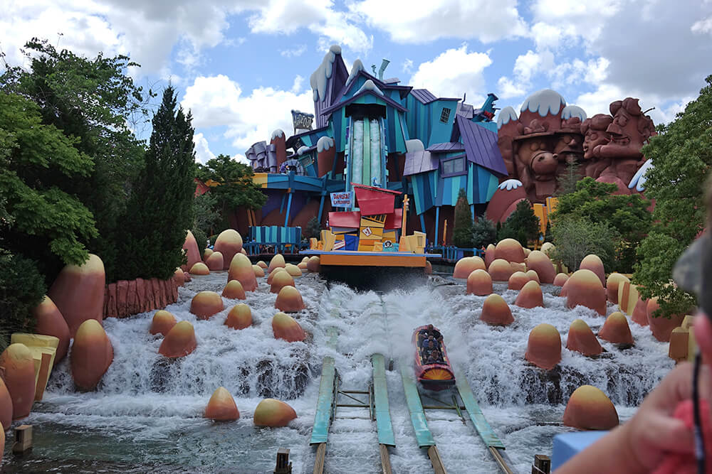Universal Orlando Lockers for Rides - Dudley Do-Right's Ripsaw Falls