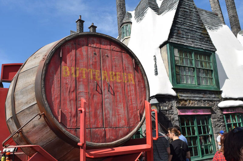Food and Drink at the Wizarding World Hollywood - Butterbeer Signage