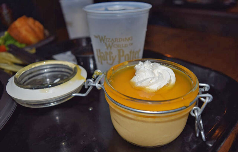 Food and Drink at the Wizarding World Hollywood - Butterbeer Creme