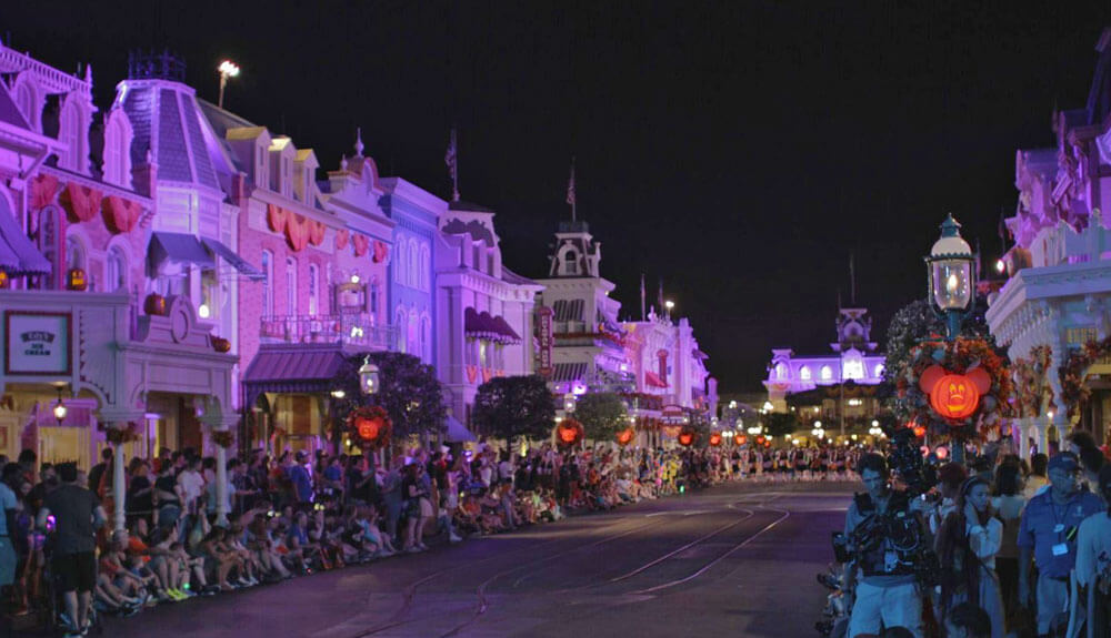 Guide to Mickey's Not So Scary Halloween Party 2018 - Disney Halloween Party - Main Street USA