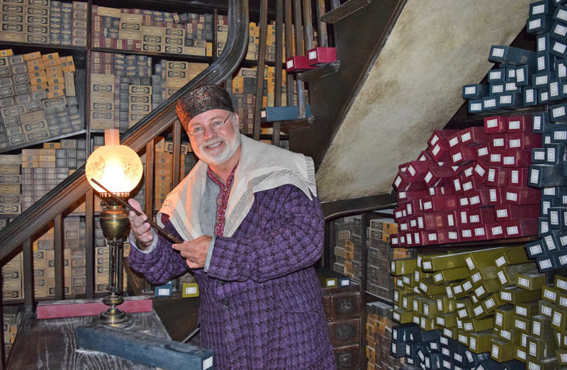 Choosing a Wand at the Wizarding World in Hollywood