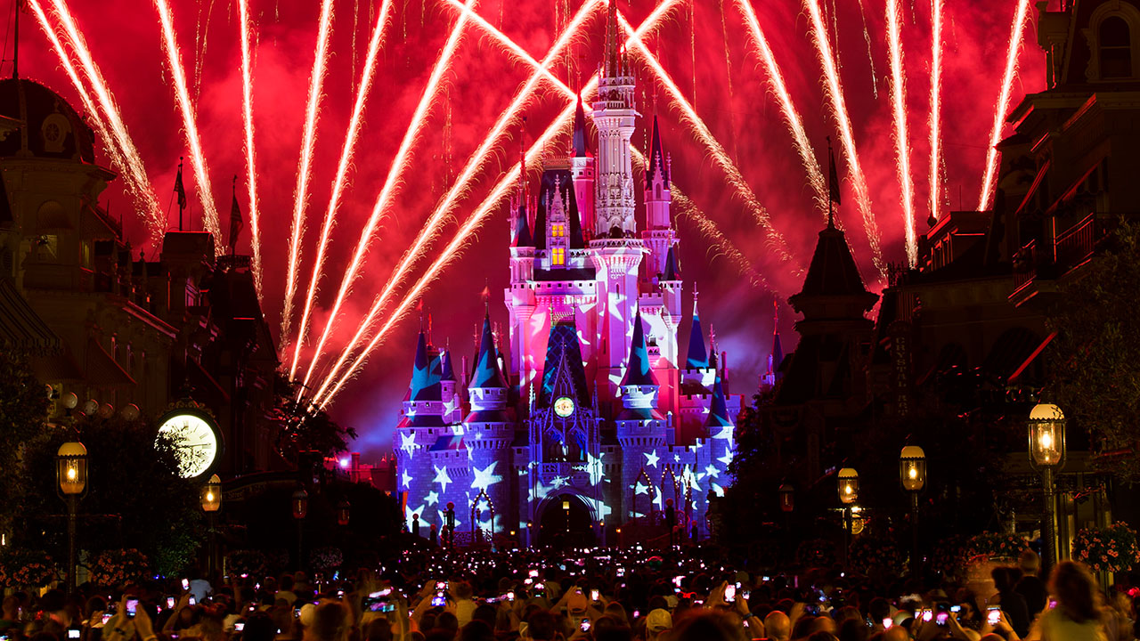 Disney Parks, SeaWorld Orlando Plan July 4th Fun