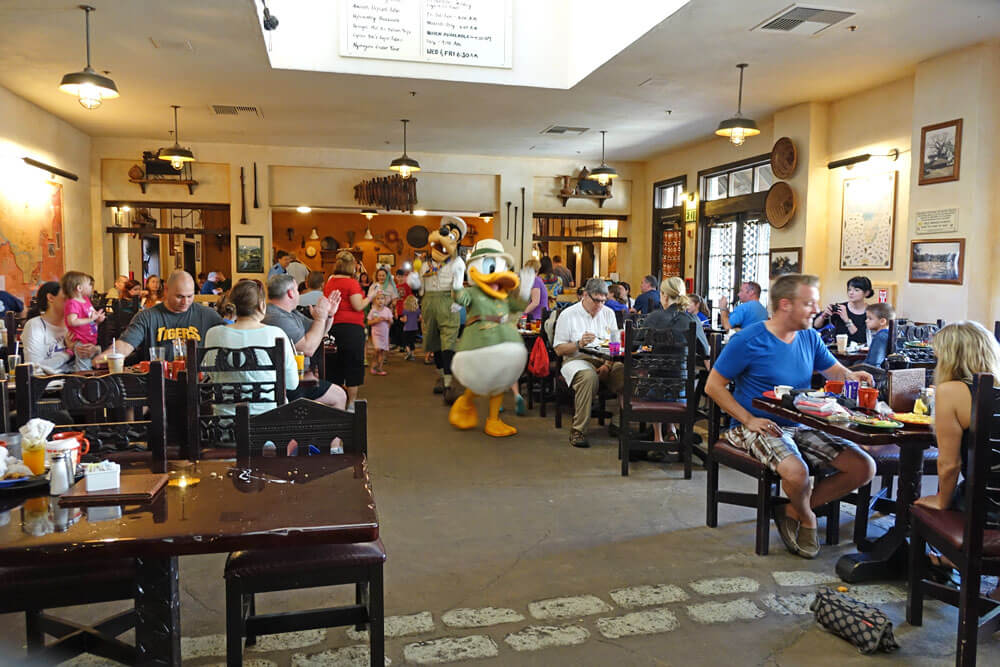 Best Character Dining At Disney World