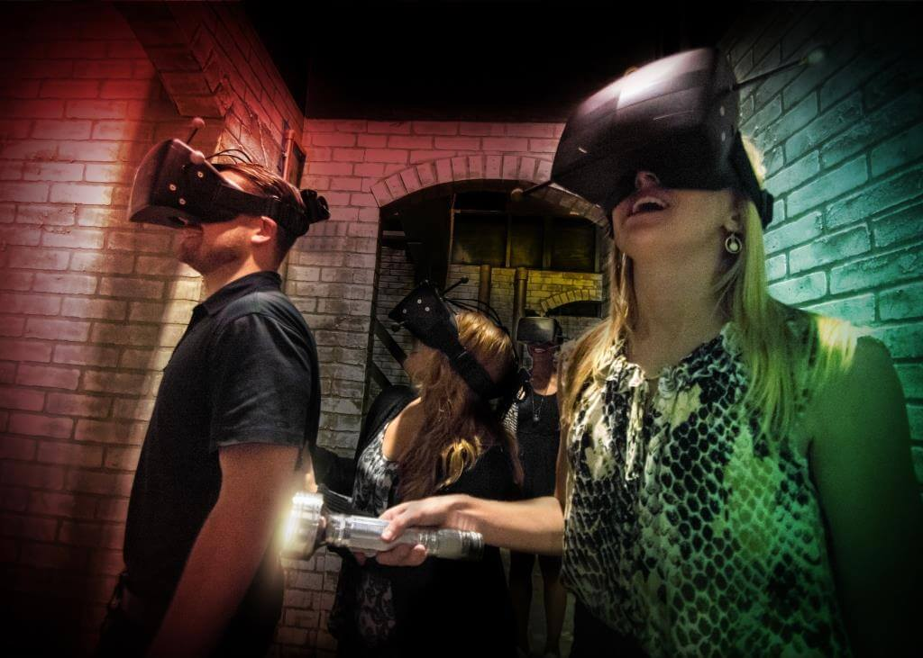 Halloween Horror Nights 27 - Virtual Reality Experience The Repository