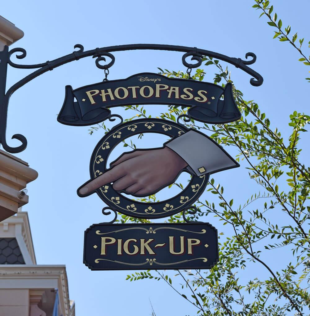 Disneyland PhotoPass - Photopass Pickup