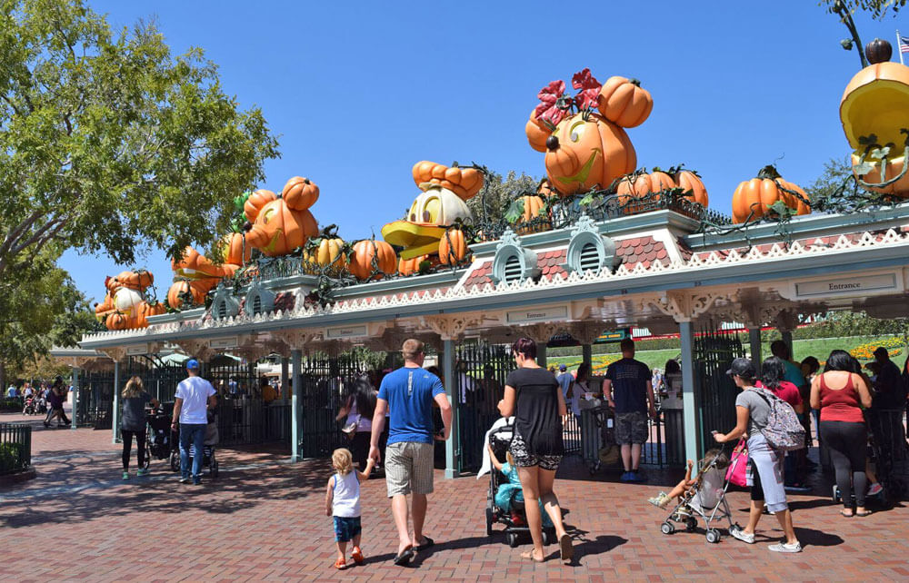 Overview of Disneyland's Halloween Time 2016